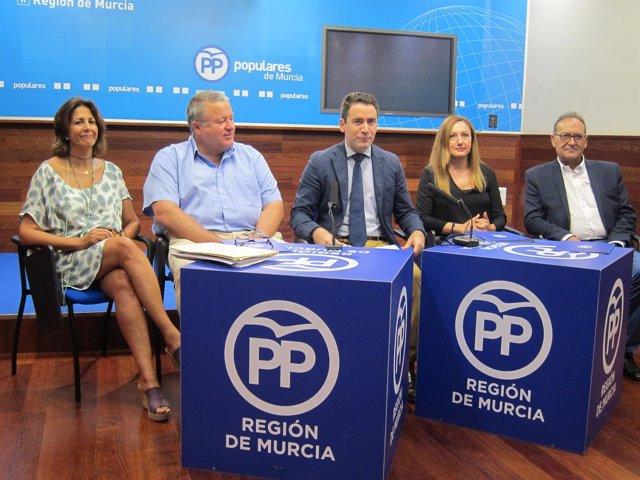 Imagen De Los Diputados Del PP Por Murcia, En La Rueda De Prensa