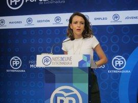 """El PP dice que la campaña de Vara a las primarias """"no empieza ahora"""" y le pide resolver los problemas de los extremeños"""