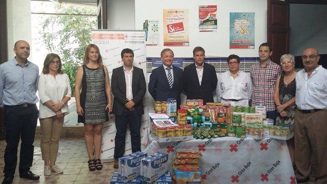El Gobierno distribuye  más de 9 millones de kilos de alimentos básicos