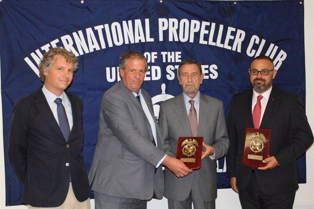 Firma de la adhesión del Puerto de Sevilla al 'Propeller Club'