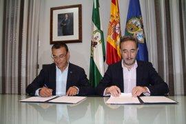 Diputación y Junta firman un convenio para impulsar los planes de vivienda y suelo de municipios de Huelva