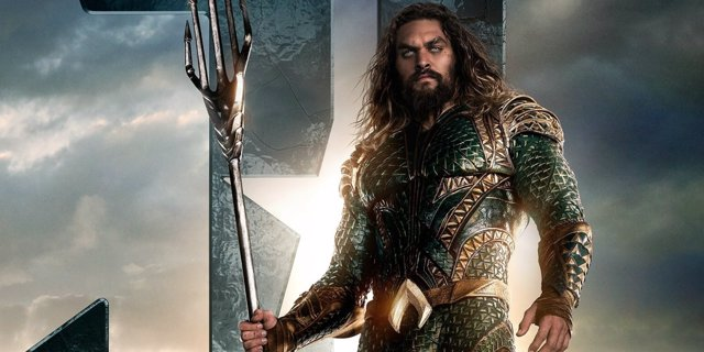 Jason Momoa como Aquaman en Liga de la Justicia