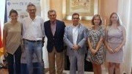 La AECC y la UIB convocan el premio Baleares contra el Cáncer para impulsar trabajos relacionados con la enfermedad