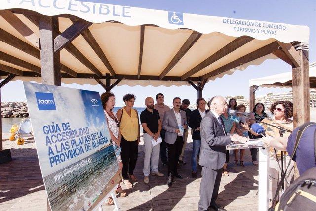 Gabriel Amat ha participado en la presentación de la Guía de Accesibilidad.