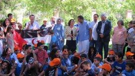 """La visita de los niños saharauis da a conocer un pueblo """"que lleva más de 40 años refugiado"""""""