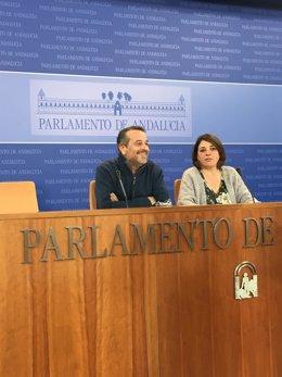 José Antonio Castro y Elena Cortés en rueda de prensa