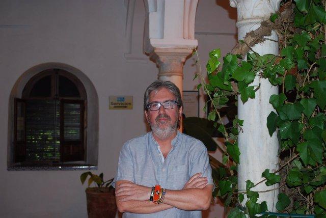 El ex misionero Chema Caballero en los cursos de verano de la UPO