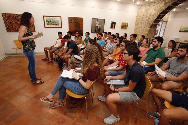 El Ayuntamiento de Sant Joan Despí ha incorporado a 72 personas