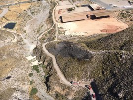 Efectivos del Plan Infomur controlan un incendio forestal en La Torrecilla de Lorca