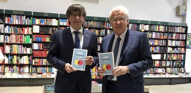 El pte.C.Puigdemont y el delegado del Govern en Madrid F.Mascarell