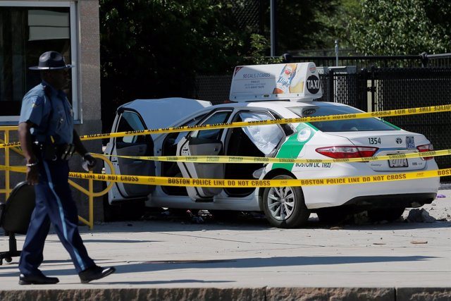 Accidente de taxi cerca del aeropuerto de Boston
