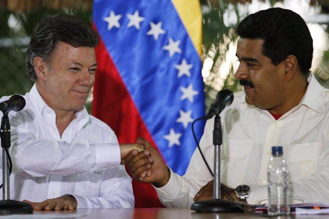 Los presidentes de Venezuela, Nicolás Maduro, y de Colombia, Juan Manuel Santos,