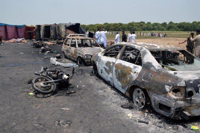 Incendio de un camión cisterna en Bahawalpur (Pakistán)