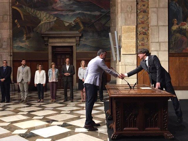 Santi Vila toma posesión como conseller de Empresa ante C.Puigdemont y el Govern