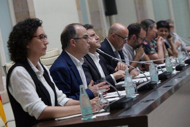 JxSí y CUP explican el proyecto de ley del referéndum