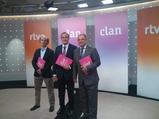 El director de TVE junto al director comercial y director de contenido infantil