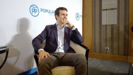 """Pablo Casado (PP) afirma que Puigdemont """"es como un globo pinchado que va cayendo"""""""