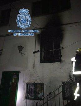 """""""Dos Policías Nacionales Salvan La Vida A Un Anciano En El Incendio De Una Vivie"""