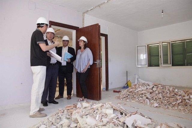 Armengol visita las obras del CEIP Génova