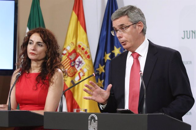 El portavoz del Ejecutivo andaluz, Juan Carlos Blanco, en rueda de prensa