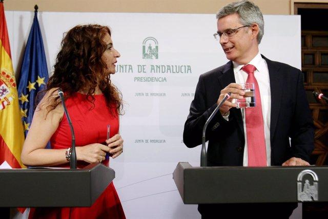 Montero y Blanco en rueda de prensa tras el Consejo de Gobierno