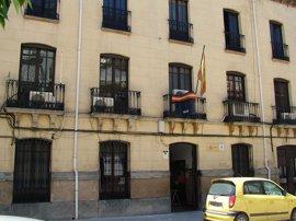 Detenidos en Andújar (Jaén) dos hombres acusados de contratar móviles a nombre de fallecidos y ancianos