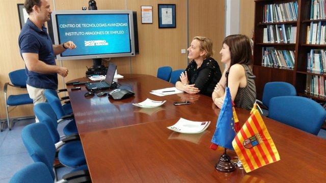 Gastón visita el Centro de Tecnologías Avanzadas