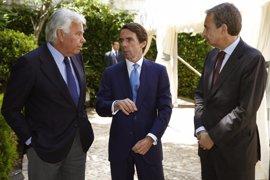 González, Aznar y Zapatero, juntos este miércoles en una mesa redonda