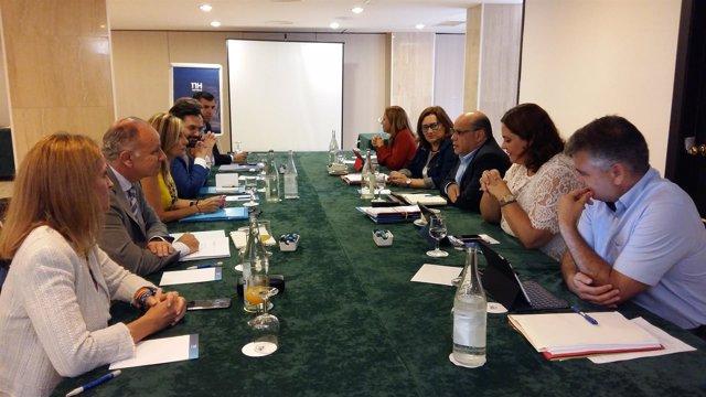 Reunión de la comisión negociadora