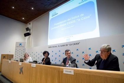 Baja en el último año la confianza de los españoles en la sanidad pública