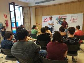 El nuevo secretario general de la Juventudes Socialista explica a militantes de Baleares su programa político
