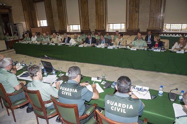 Zoido preside el Pleno del Consejo de la Guardia Civil