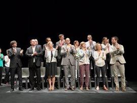 Artur Mas, entidades soberanistas y diputados de JxSí y CUP arropan al Govern al presentar el 1-O