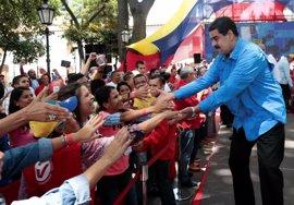 """Maduro avisa a la oposición de que no puede """"imponer"""" un referéndum ilegal"""