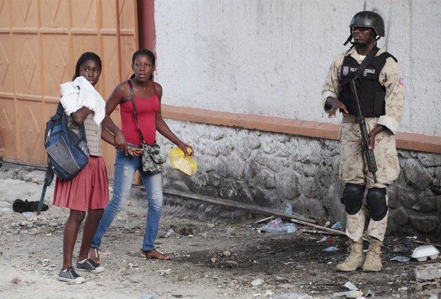Policía en Haití