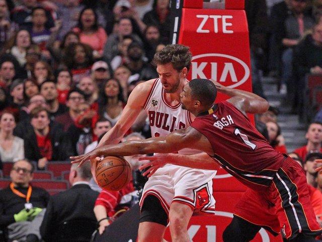 Pau Gasol y Chris Bosh en el Miami Heat - Chicago Bulls