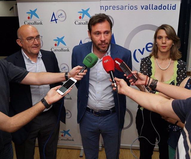 El alcalde de Valladolid atiende a los medios