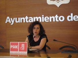 El PSOE exige retirar a Miguel Sáinz las competencias de Interior por el conflicto con la Policía Local