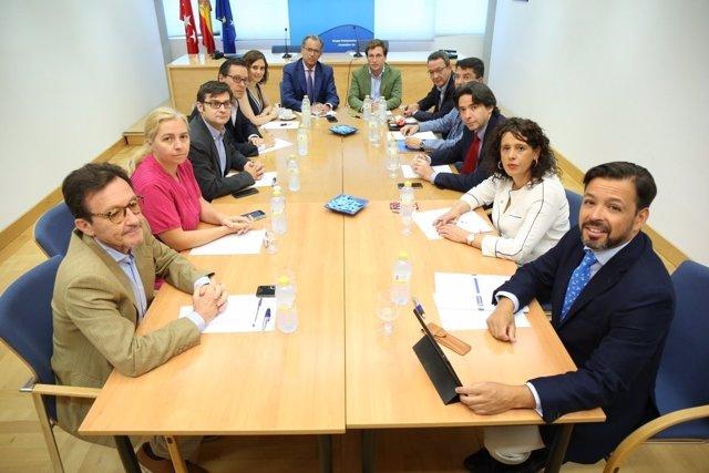 Reunión del PP del Ayuntamiento de Madrid y la Asamblea