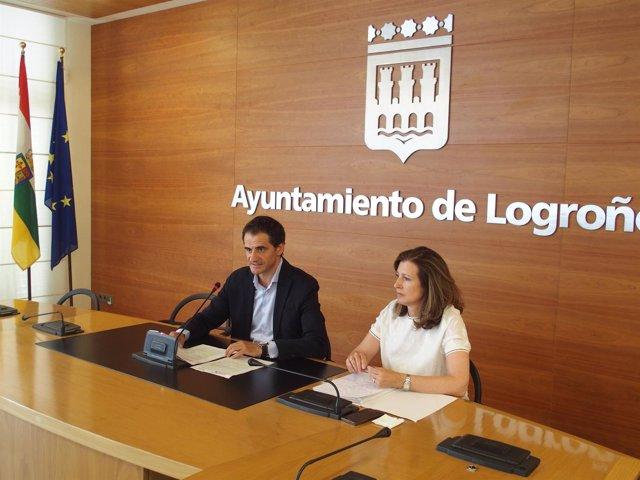 Miguel Sáinz y Mar San Martín, en la rueda de prensa