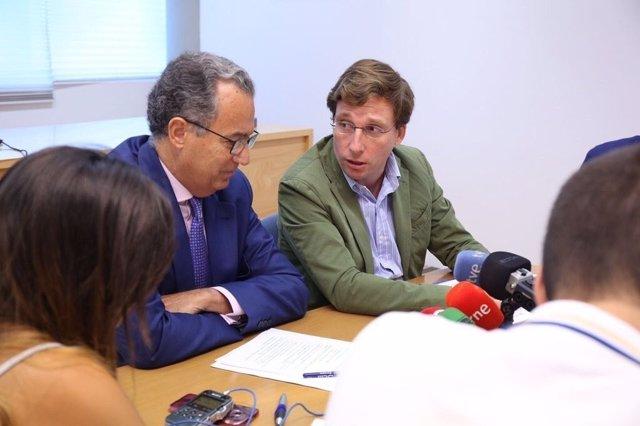 ENrique Ossorio y José Luis Martínez Almeida