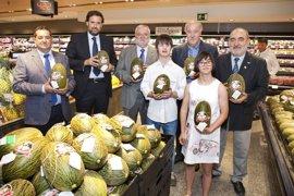 Vicente del Bosque apoya la campaña del 'melón solidario' de 'El Corte Inglés'