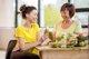 Zumos y smoothies frente a frutas y verduras enteras