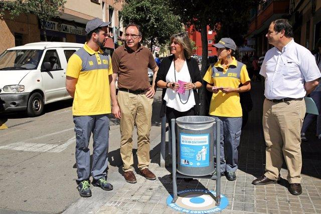 Núria Marín y agentes cívicos