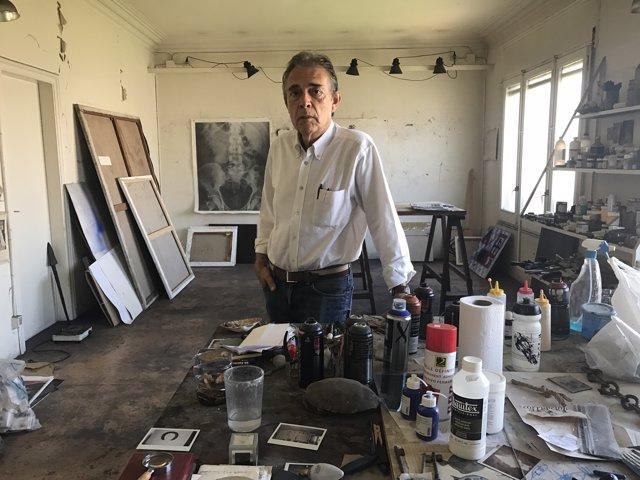Joan-Pere Viladecans en el seu estudi