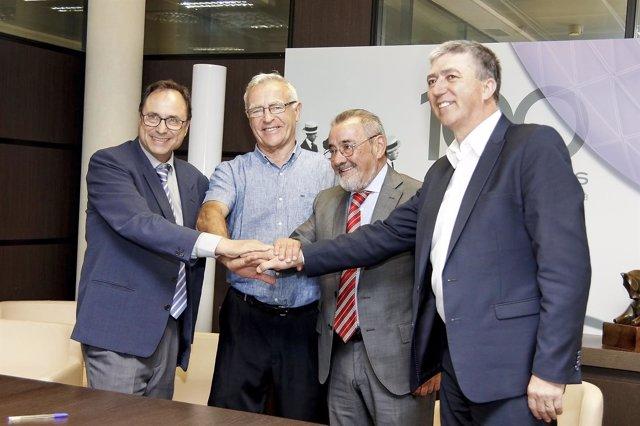Soler, Ribó, González y Climent, en la firma del protocolo de Feria Valencia