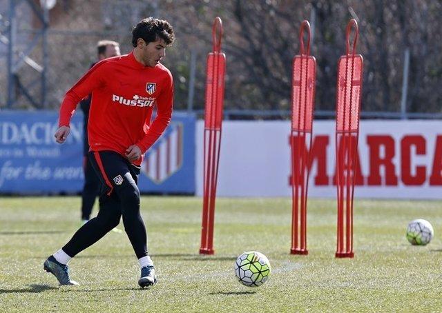 Theo Hernández entrenando en Majadahonda con el Atlético