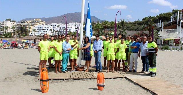 Estepona izada bandera azul playa salvamento socorrismo