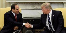 """Trump pide ante Al Sisi negociaciones """"constructivas"""" para resolver la crisis con Qatar"""