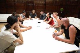 Maestre, Sánchez Mato y García Castaño se reúnen con empleados de Deliveroo, en huelga para reclamar mejoras laborales